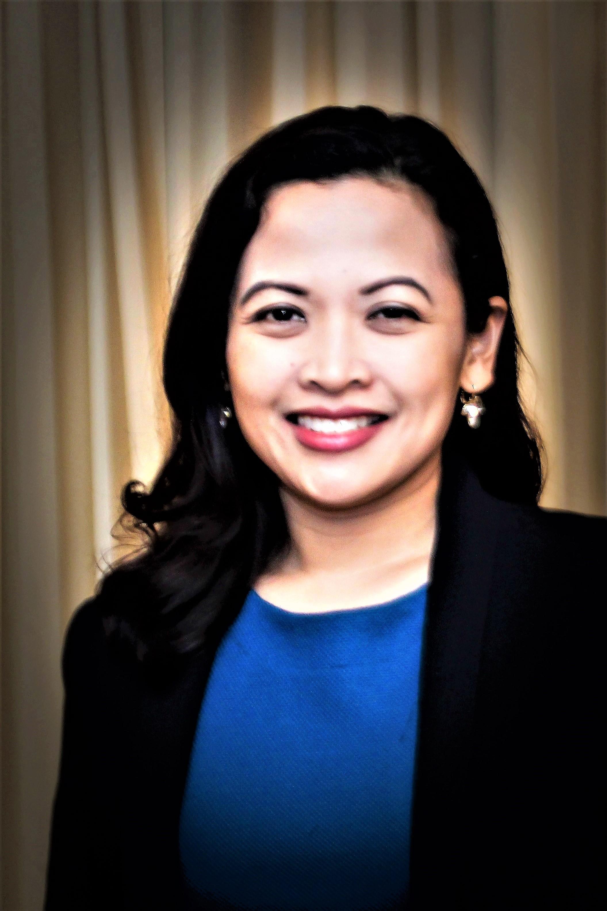 Dr Lourdes Enecilla